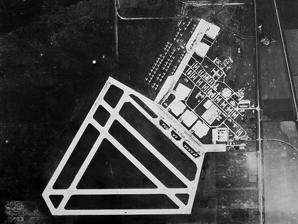Wartime aerial photo of No. 33 SFTS, Carberry, Manitoba, Canada.